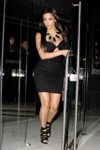 Kim+Kardashian+steps+out+figure+hugging+LBD+omPtrnV_ofMl